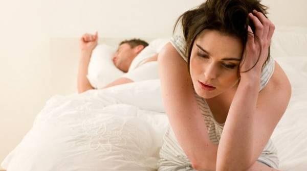 Màn dạo đầu không hấp dẫn cũng là nguyên nhân gây đau rát khi quan hệ
