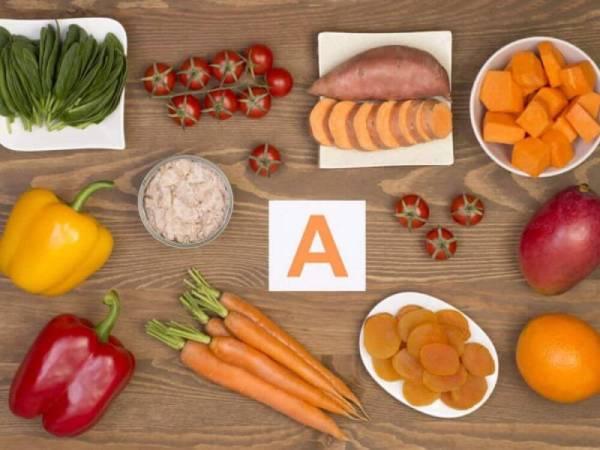 Vitamin A giúp cải thiện tình trạng cô bé bị khô ngứa